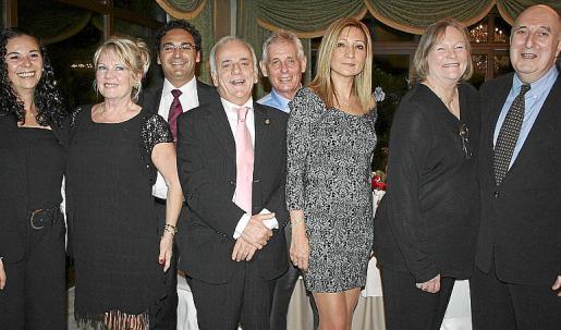 María González, Margaret Herron, Víctor Hernández, José Guerrero, Simon Tow, Mercedes Torres, Jenny y Peter Newman.