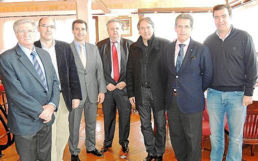 Pedro Pascual, Juan Salvador, Biel Company, Rafel Roig, Antoni Rosselló, Paco Tomé y Miquel Florit.