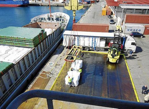 El primer barco llegará desde Sabadell, pero también se negocia con otras ciudades.