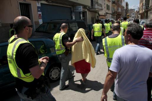 Imagen de la redada en la que la Guardia Civil desarticuló el conocido como 'Clan de la Paca'.