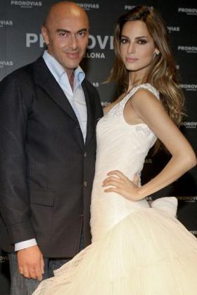Manuel Mota en una imagen con la modelo Ariadne Artiles.