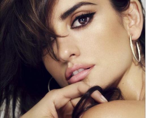 Nuestra actriz más internacional es la nueva imagen de la firma española Loewe.