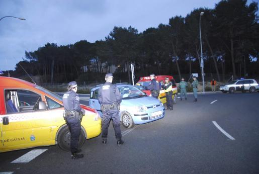 Los agentes se situaron estratégicamente en todos los accesos a Peguera y no permitieron la entrada de sospechosos.