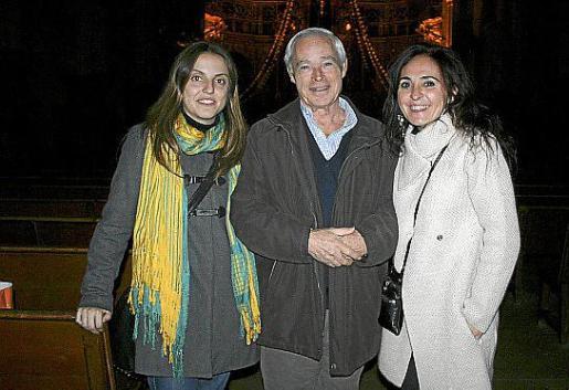 Isabel Bonnín, Antonio Alcaraz -padre de la pianista- y Dolors Cano.