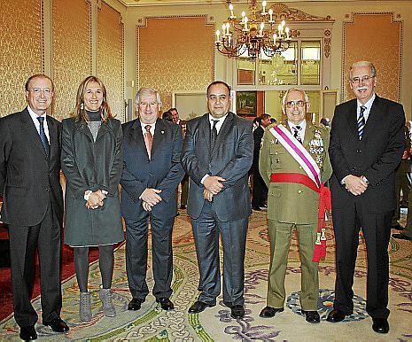 Antonio Terrassa, Teresa Palmer, Joan Albertí, Mohamed Harit, el general Antoni Perelló y Pedro Comas.