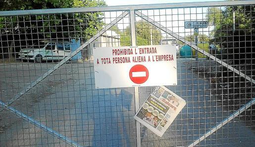 El alcalde Bartomeu Cifre (PP) dio cuenta al pleno de que «un vándalo» ha roto las dos barreras municipales que limitan el paso entre las 21.00 y las 7.00 horas en el Camí de Santuïri.