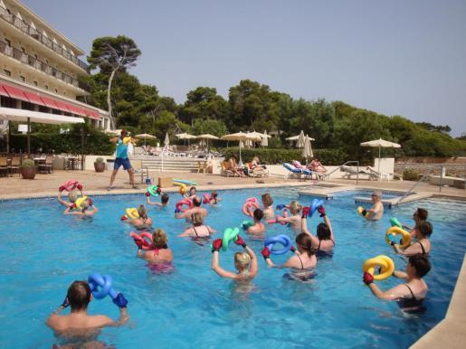 Imagen de las actividades acuáticas de un hotel de Cala Rajada.