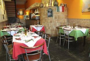 Restaurante Pizzeria Casanova en el Puerto de Mahon.