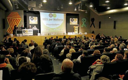 Vista general de la asamblea en la que nació Més per Mallorca, formación de izquierda, soberanista y ecologista.