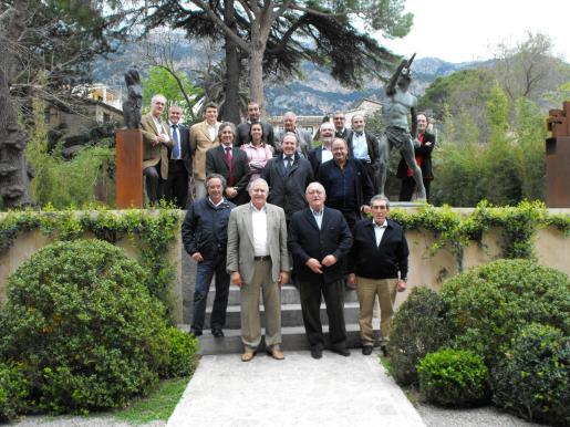 Después de la comida y el habano de rigor, el Club Epicur realizó una visita al museo modernista de Can Prunera.