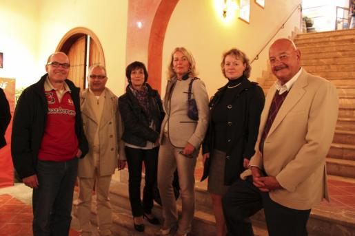 Erwin Pietz, Carl Cords, Birgit Pietz, Ulla Cords, Silla Voigt y Bernd Nieswand.