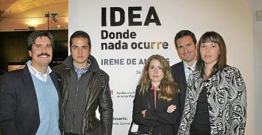 Fernando Gómez de la Cuesta, Álvaro Lázaro, Irene de Andrés, Juan Luis Vela y María Antonia Moll, en la inauguración de la propuesta de Irene de Andrés para la Zona Base.