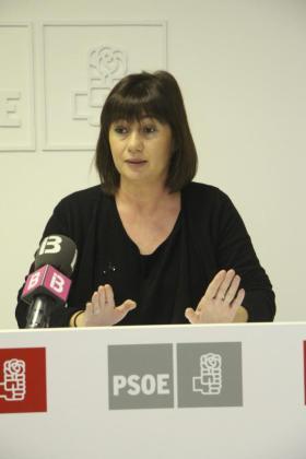 Francina Armengol, en una rueda de prensa celebrada en Menorca.