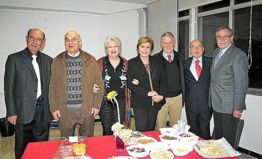 Bartomeu Vida, Sebastiá Massanet, Catalina Llinás, Neus García, Gabriel Balle, el presidente Joan Martorell y Roberto Jara.
