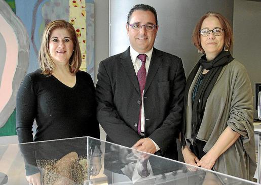 Margarita San José, Antonio Pita y Miriam Tovías, del Foro de Recursos Humanos g Foto: J. TORRES