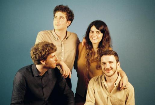 La banda Extraperlo propone un cóctel de rock y pop actual.