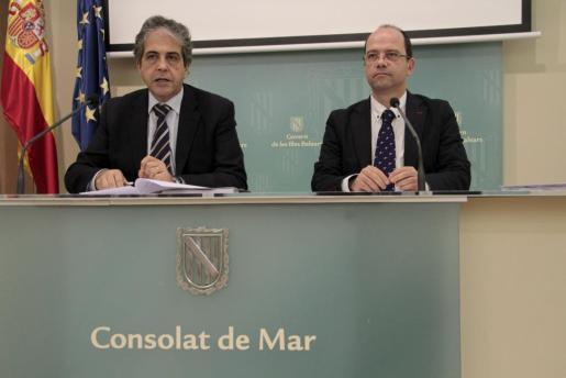 Rafael Bosch y Simón Gornés, durante la rueda de prensa posterior al Consell de Govern.