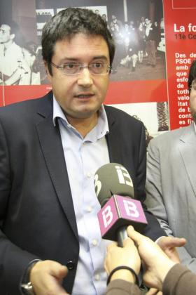 Óscar López, durante un comparecencia en Menorca.