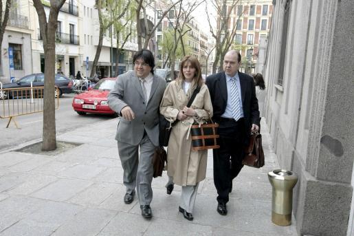 Los abogados José Luis Mazón y Antonio Panea, los querellantes contra Garzón por los cobros.