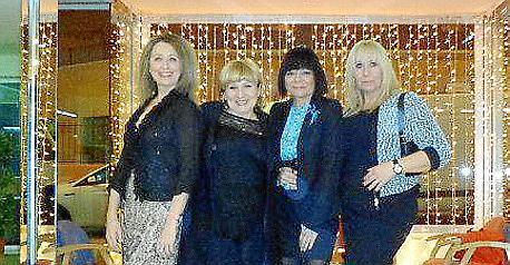 Mari Nova, Angelines González, María Antonia López y Carmen Canadillas.