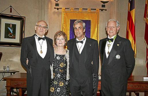 Jordi Ibáñez y su esposa, Cati Barceló; José Forteza y Bartolomé Anguera.