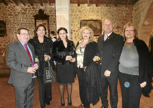 José Martínez, Fina Hernández, Carmen Lozano, Cristina Marín, Mariano Mayans y Estrella Domínguez.