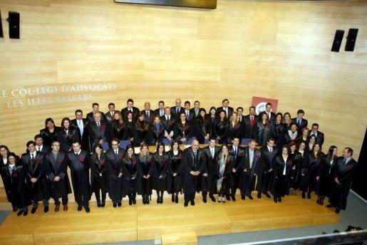 El Colegio de Abogados acoge el acto de bienvenida y jura de 40 nuevos colegiados.