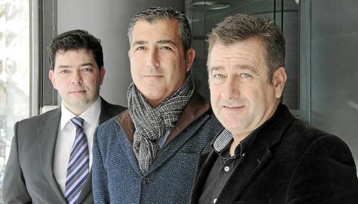 Lorenzo Pol, José Antonio Caldés y Ramón Bazataqui explicaron el plan para salvar el Liceo.