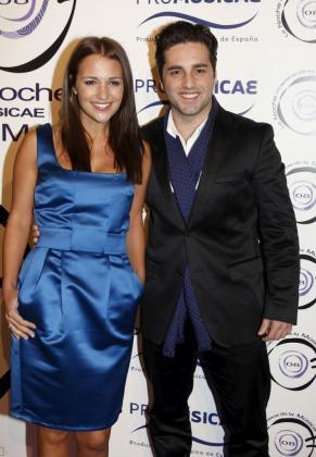 El cantante David Bustamante (d) y su mujer, la actriz Paula Echevarría, en una foto de archivo.