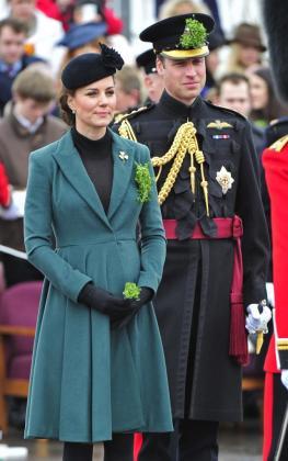 La duquesa de Cambridge y el príncipe de Inglaterra.
