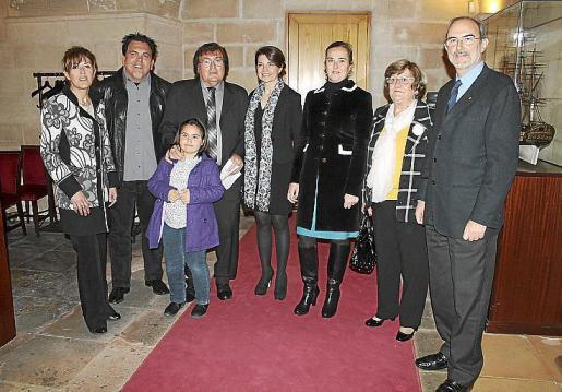 María, Antoni, Alba y Miquel Bestard, Margalida Durán, Maria Antònia Garau, Margalida Rosselló y Antonio Diéguez.