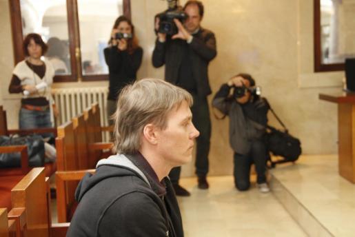 Holguer J., durante el juicio, esta mañana.