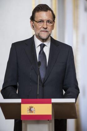 El presidente del Gobierno español, Mariano Rajoy, habla en una conferencia de prensa.