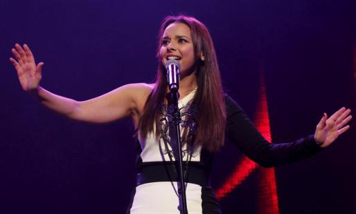 La cantante Chenoa, durante un concierto en Palma.