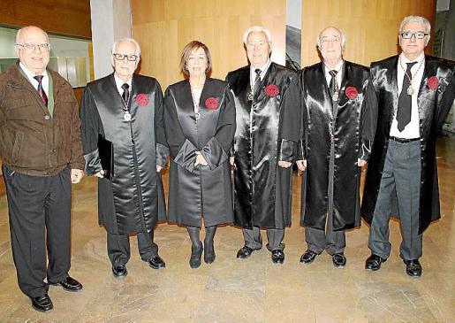 Bernardo Garcías, Eduardo Martínez Piñero, Maria Pilar Ferrer, Bernardo Cardona, Rafael Perera y Gabriel Garcías.