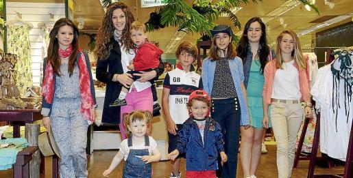 El desfile con la moda verano 2013 de El Corte Inglés, será uno de los premios más divertidos para los participantes. En la imagen, los ganadores de 2012.