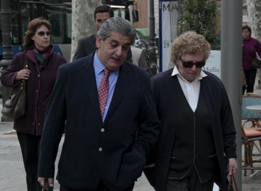Antònia Ordinas, a su llegada a la Audiencia Provincial en la tercera sesión del juicio.
