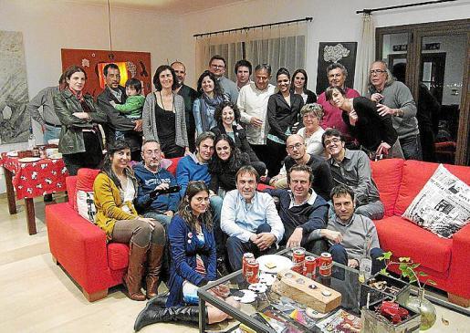 Los asistentes a la fiesta de cumpleaños de Marian F. Moratinos.