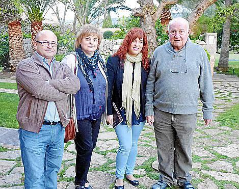 Antoni Moll, Catalina Llabrés, Antònia Moll y Joan Riera Ferrari.