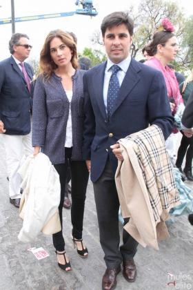 Francisco Rivera con su novia Lourdes Montes.