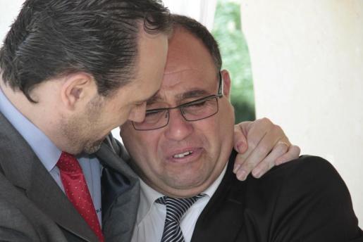 Bauzá, junto al cónsul general del Reino de Marruecos en Palma de Mallorca, Mohhamed Harit (derecha).
