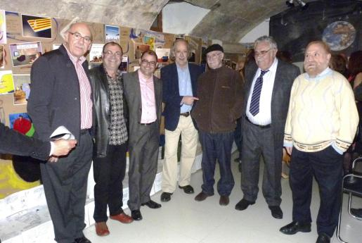 Tófol Sbert, Tolo Aguilar, Cosme Bonet, Pep Roig, Arpo, Pere A. Serra y Toni Rotger.