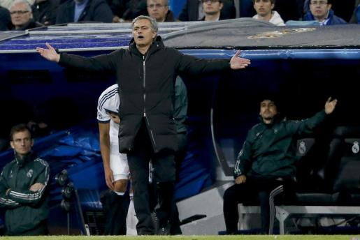 El entrenador del Real Madrid, el portugués José Mourinho, durante el partido frente al Borussia Dortmund.