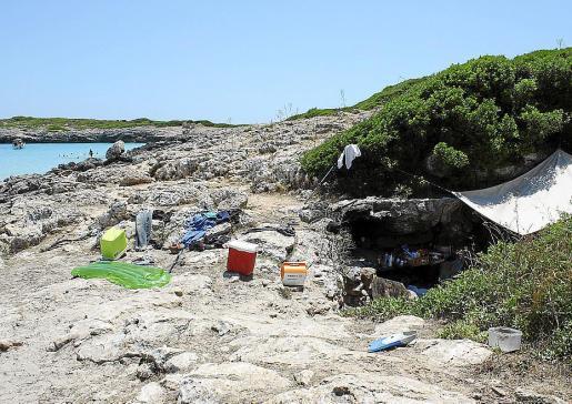 El Seprona de la Guardia Civil se encarga de controlar las actividades en las playas.