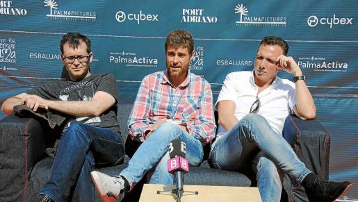 Álvaro Iglesias, coordinador del festival MareMostra, entre Ángel Sala y Mike Hostench, directores del Festival de Sitges. n