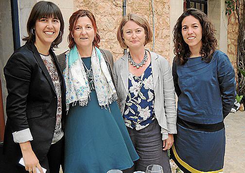 Carme Castells, Carlota Oliva, Joana Serra y Marga Amat.
