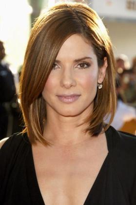 La actriz ha anunciado que se divorcia definitivamente de Jesse James.
