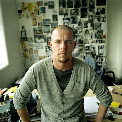El diseñador apareció muerto en su domicilio de Londres el pasado mes de febrero.