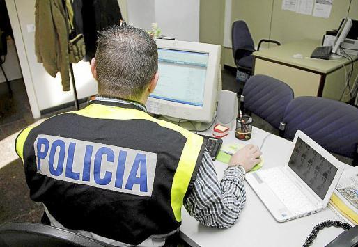 El Grupo de Delitos Tecnológicos practicó las detenciones de los tres menores.