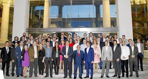 Foto de familia de los asistentes a la convención celebrada en el Hotel Palace de Muro. Fotos: TERESA AYUGA